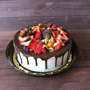 №390 Торт с ягодами
